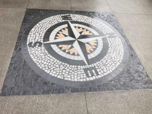compass500x375
